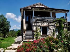 Country house circondata dalla natura