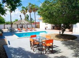 Summer Villa,sleeps 8 Pool & Privacy guaranteed