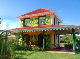 Villa avec piscine partagée (MQSA26)