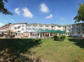 Hotel Riviera, Nová Role (Chodov yakınında)