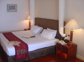 HOTEL RED CARPET