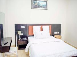 MountRoyal Centre, Hotel