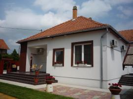 Mórafészek vendégház, Морахалом (рядом с городом Átokháza)