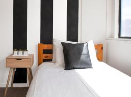 The Setup on Dixon - Hostel