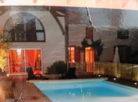 Maison de charme Pyrénées piscine 11 couchages