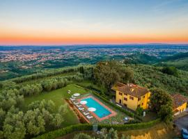 Massa Villa Sleeps 10 Pool Air Con WiFi
