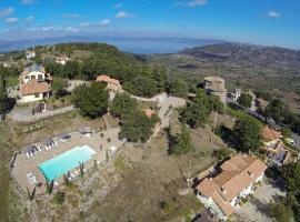 Fiordini Villa Sleeps 28 Pool Air Con WiFi