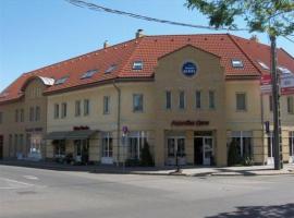 Panzió Sissi, Геделле (рядом с городом Domony)