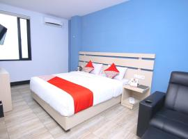 OYO 592 Budget Hotel by the Harbour