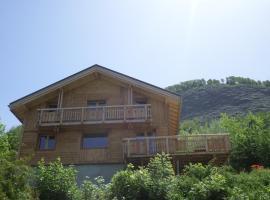Chalet Oustal en pied de piste & télésiège aux 2Alpes ,avec sauna