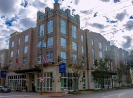 TRYP by Wyndham Savannah
