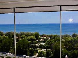 Sea horizon penthouse flat