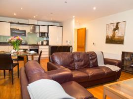 City 3 Bedroom Ensuited apartment with parking