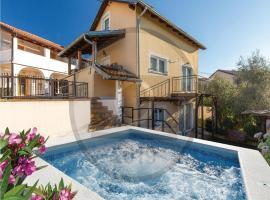 Three-Bedroom Holiday Home in Sveti Donat