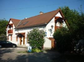 Margaréta-Bia Guest House & Camping