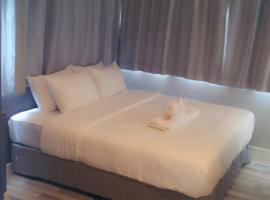ナントラ プルンチット ホテル