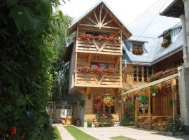 Pension Crizantema, Vatra Moldoviţei