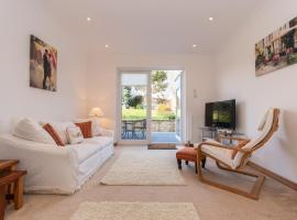 St Andrews Studio Apartment - Free Parking