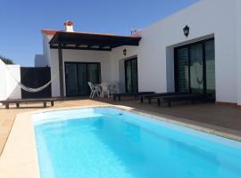 Chalet con piscina de 3 dormitorios