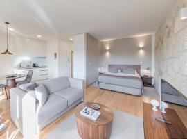 BO - Sá de Noronha Apartments