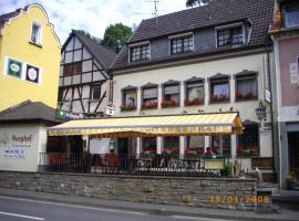 Hotel Im Burghof, Altenahr (Kalenborn yakınında)