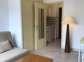 Monaco Studio 44