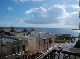 Lovely 2-bedroom Seaview Apartment