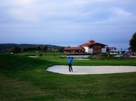 Hotel Golf Resort Olomouc, Dolany (Svatý Kopeček yakınında)