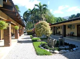 Hotel Las Espuelas, Bar & Restaurant, Liberia (Ciruelas yakınında)