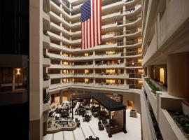 Hotels Near Ronald Reagan Washington National Airport With Shuttle Service See All Emby Suites Crystal City