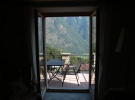 Casa Flora, Verdabbio (Roveredo yakınında)