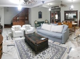 Spacious Rustic Whole House 3BR 900 metres from Nexus Bangsar South, KL