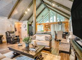 Come Away Cabin Luxury Retreat