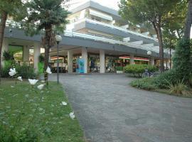 Residence Isvico, Lignano Sabbiadoro (Lignano Pineta yakınında)