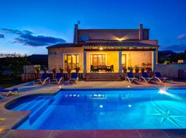 Calonge Villa Sleeps 8 Pool Air Con WiFi