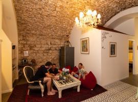 PoliHosts Old Jaffa