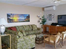 2 Bedroom Ocean Front Condo in Lahaina Town - Sleeps 6 - Lahaina Roads #502
