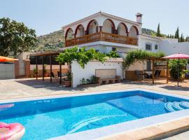 The 10 best hotels with parking in Sayalonga, Spain ...