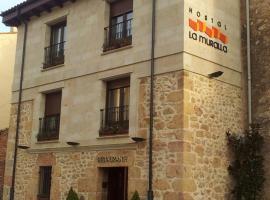 Hostal Restaurante La Muralla, Oña (Poza de la Sal yakınında)
