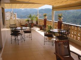 Villa Pico, Sella