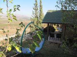 Aviv Bakerem, Рамат Нафтали (рядом с городом Yiftaẖ)