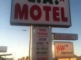 LA Motel, Claude (Near Pampa)