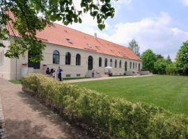 Kavaliershaus Suitehotel am Finckenersee, Fincken (Altenhof yakınında)