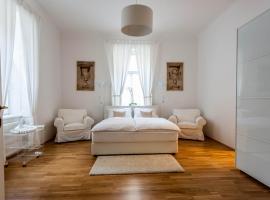 Beautiful Home - Riverside Apartment