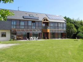 Chambres d'Hotes les Coteaux d'Uzos, Uzos (рядом с городом Assat)
