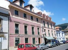 Os melhores hotéis e alojamentos disponíveis perto de Pola ...
