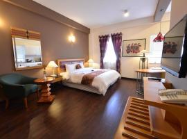 Golden Sun Villa Hotel