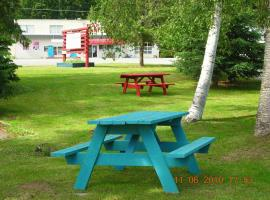 Watauga Village Cabins and Suites, Clearwater