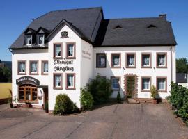 Gästehaus Weingut - Fröhliches Weinfass, Kenn (Schweich yakınında)
