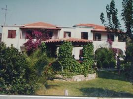 Hotel Elytis, Потистика (рядом с городом Xinóvrisi)